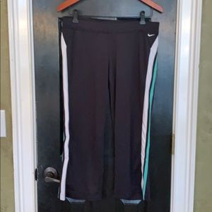 Nike athletic Capri pants medium